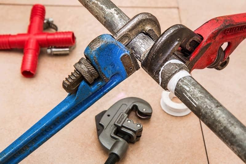 Montaż instalacji hydraulicznych i sanitarnych - dobry fachowiec to gwarancja niezawodności